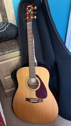 Rarely used Yamaha guitar. Has a minor dent/scratch that's displayed in one of the pics. Asking for $140. for Sale in Payson, AZ