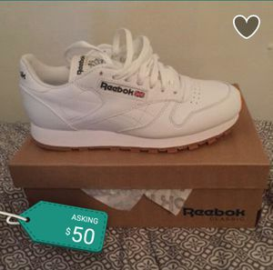 Reebok's size 8 for Sale in Cleveland, OH