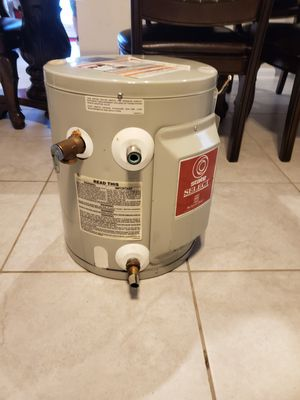 Electric water heater LIKE NEW CONDITION for Sale in San Marcos, TX