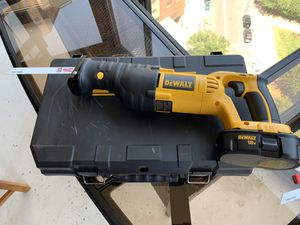 DeWault Sawzall (Battery Powered Reciprocating Saw) for Sale in Arlington, VA