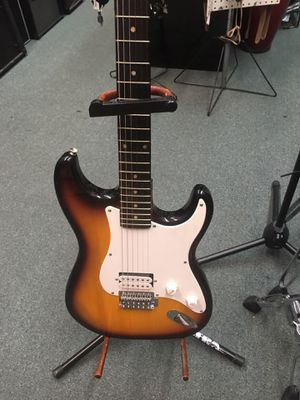 Guitar for Sale in Newark, NJ