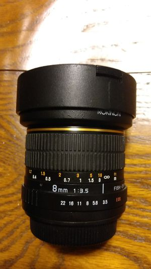 ROKINON 8MM f3. 5 for cannon for Sale in HALNDLE BCH, FL