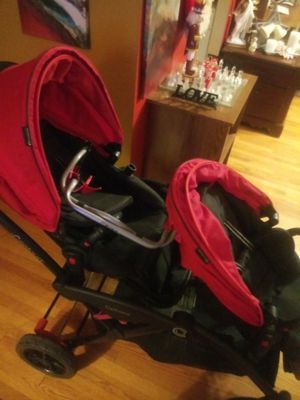 Two seat stoller with stroller for Sale in Fort Washington, MD