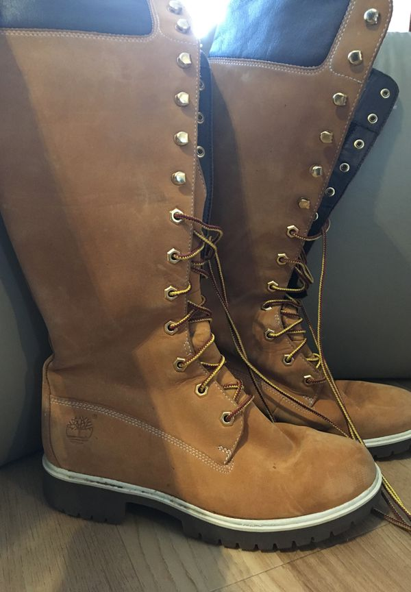 Women's Timberland boots size in s6 in a half never worn come get them all yours for $20.00🤗🙃🤗🙃