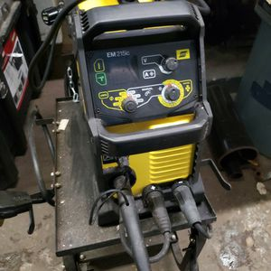 Esab EM215ic Mig Welder for Sale in Queens, NY