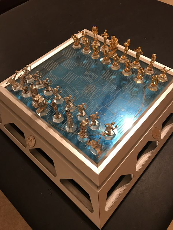 Star Trek Chess - 25th Anniversary Chess Set Complete
