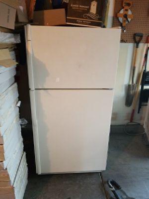 Kenmore refrigerator. for Sale in Las Vegas, NV