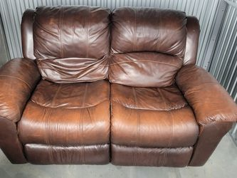 Leather Pillow Top Arm Reclining Sofa for Sale in Portland,  OR