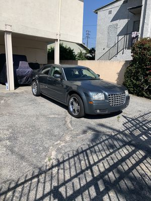 2005 Chrysler300 for Sale in Los Angeles, CA