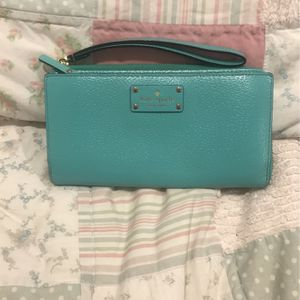 Kate Spade Wristlet for Sale in Willowbrook, IL