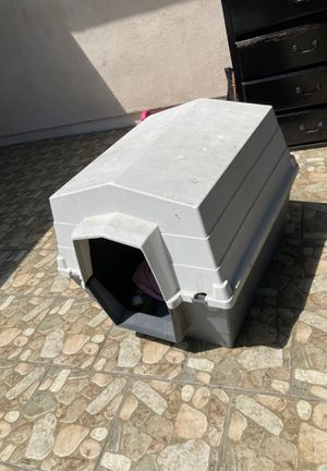 Big dog house for Sale in Paramount, CA