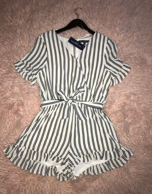 Jumpsuit one❤clothing size L for Sale in Colton, CA