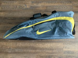 Nike Tennis Bag (6 racket capacity plus!) for Sale in Cranberry Township, PA