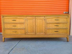 Vintage mid-century modern dresser for Sale in Huntington Beach, CA