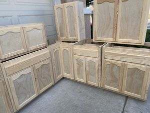 Cabinets for kitchen for Sale in Moreno Valley, CA
