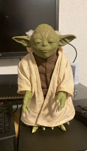2005 Hasbro Talking Yoda Collectible for Sale in Riverbank, CA
