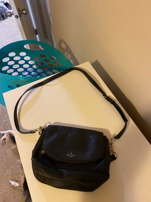 Kate Spade leather black crossbody purse for Sale in Puyallup, WA