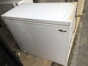 Chest freezer 7 cu ft deep freezer - barely used for Sale in Decatur, GA