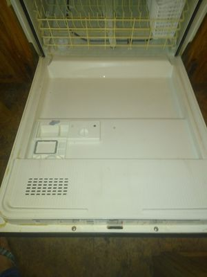 Frigidaire dishwasher and gas stove for Sale in Akron, OH