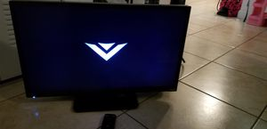 "Vizio smart tv 32""inches with remote for Sale in North Miami Beach, FL"