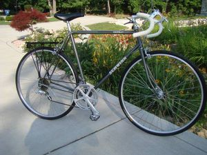 Excellent Vintage Schwinn World 12 Speed Touring / Road Bicycle for Sale in New York, NY
