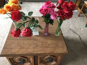 Artificial Roses with vases for Sale in Renton, WA