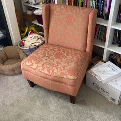 Adorable Accent Chair for Sale in Wilsonville,  OR