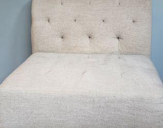 Free Comfortable Compact Chair for Sale in Auburn,  WA