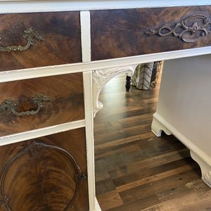 Beautifully Refinished Desk for Sale in Tacoma, WA