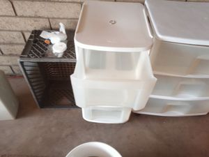 Two hardly used plastic storage dressers for Sale in Glendale, AZ