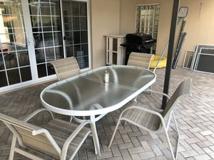 Patio table with 4 chairs for Sale in Clearwater, FL
