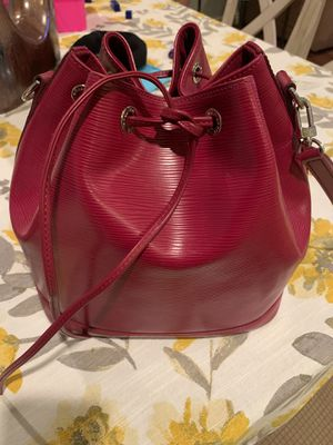Louis Vuitton Petit Noe Fuchsia bag Authentic for Sale in Anaheim, CA