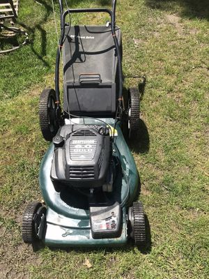 Craftsman Lawnmower Self Propelled 6.0Hp Comes With Bag for Sale in Westmont, IL