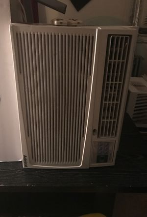 10,000 BTU air conditioner With remote control Blows very cold air for Sale in Washington, DC