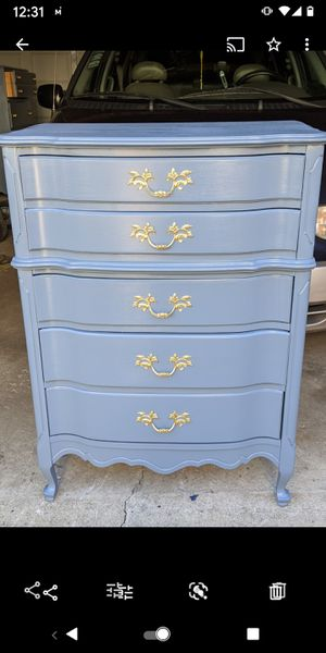 Freshly painted dresser $150 Delivery available for $20 for Sale in Chicago, IL