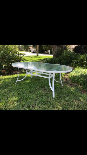 Table and 2 plants for Sale in Bradenton, FL