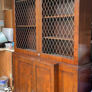 Antique China cabinet for Sale in Manor, TX