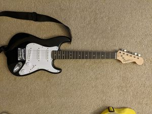 Squier mini Stratocaster black 3/4 for Sale in Mill Creek, WA