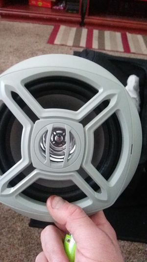 Marine dual Marine round digital media receiver with six and a half inch speakers 240w for Sale in SALT LAKE CITY, UT