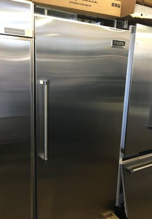 """Viking Professional 36"""" Built In Refrigerator for Sale in San Diego, CA"""