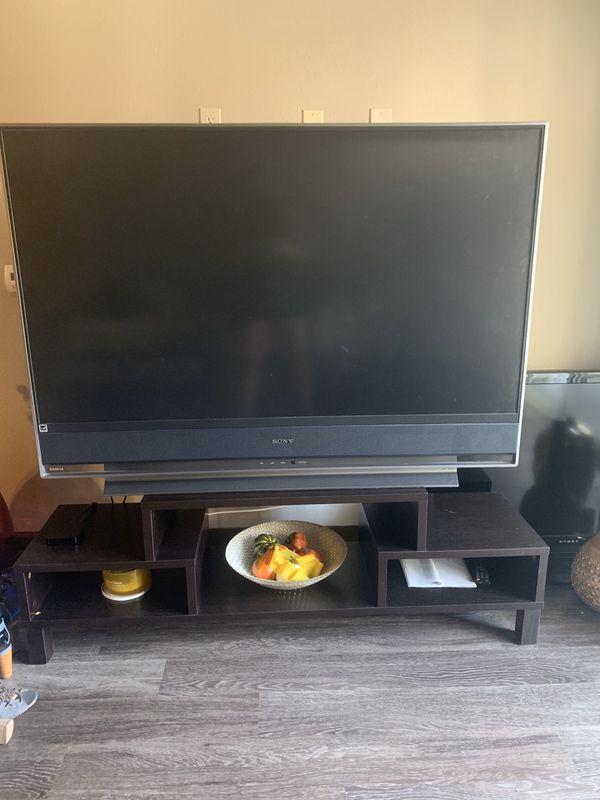 Free TV — pick up ASAP