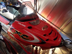 2002 Polaris XC SP 600 Snowmobile for Sale in Round Lake Heights, IL