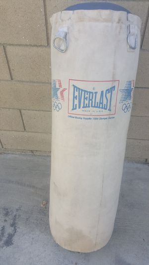PUNCHING BAG for Sale in Long Beach, CA