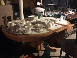 Ex! Tile Top Table w/ Leaf for Sale in Rossville, GA