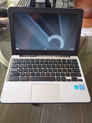 ASUS c202S 11.6-Inch Chromebook laptop. Read description for Sale in Phoenix, AZ