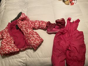 Ski/snow outfit for 24 months for Sale in Riverside, CA