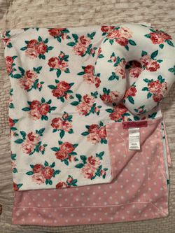 Betsey Johnson blanket & neck pillow for Sale in undefined