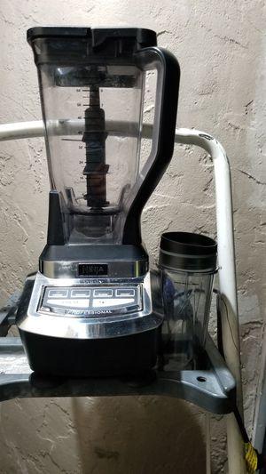 Ninja blender 1,100watts for Sale in Huntington Park, CA