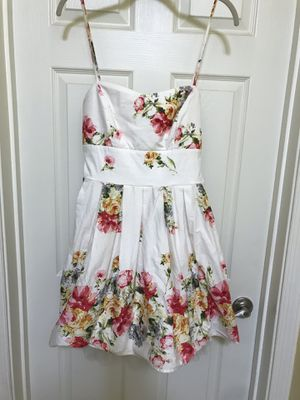 Beautiful flower party dress for Sale in Silver Spring, MD