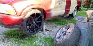 22 inch dual 5 lug rims.. for Sale in Brunswick, OH